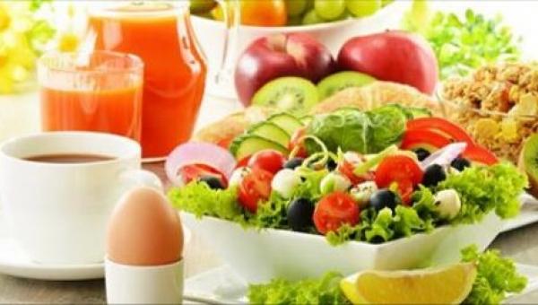 Przygotuj sałatkę, która pomoże Ci zrzucić zbędne kilogramy i przy okazji...