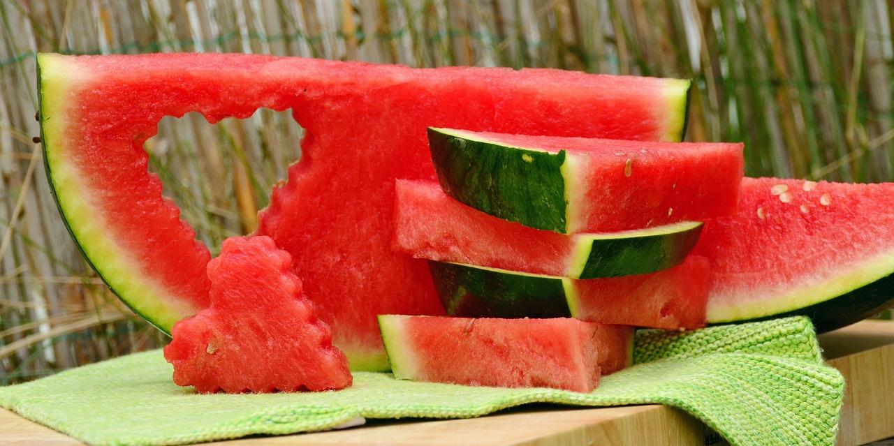 <b>3. Arbuz</b> <br>Arbuz to nie tylko orzeźwiający i smaczny owoc. Jest też...