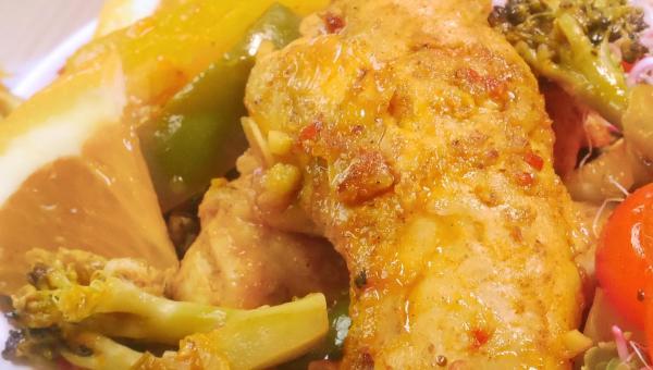 Polędwiczki z kurczaka z warzywami w sosie pomarańczowym