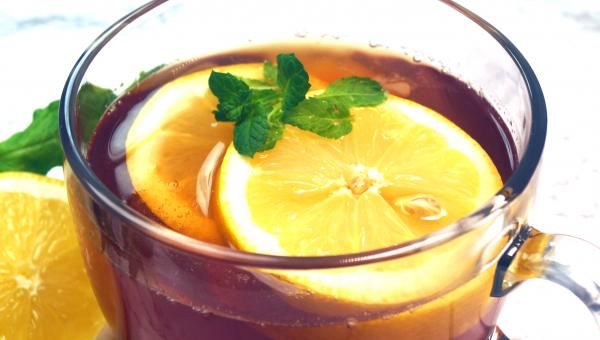 Mrożona herbata na cztery sposoby