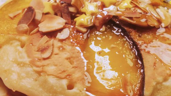 Placuszki migdałowe z brzoskwinią