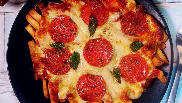 TA pizza nie zawiera mąki... ale, to z czego zrobiła spód jest zaskakujące!