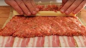 To genialny przepis na nietypowe sushi! Będzie Wam potrzebne... mielone mięso i
