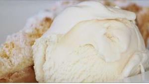 Marzą Wam się naturalne lody? Mamy dziecinnie prosty, dwuskładnikowy przepis.