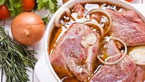 Myślałam, że o marynowaniu mięsa wiem wiele, ale trzeci pomysł mnie zaskoczył! E