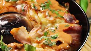 Masz ziemniaki z wczoraj? Zrób TĘ zapiekankę, a Twoja rodzina Ci podziękuje!